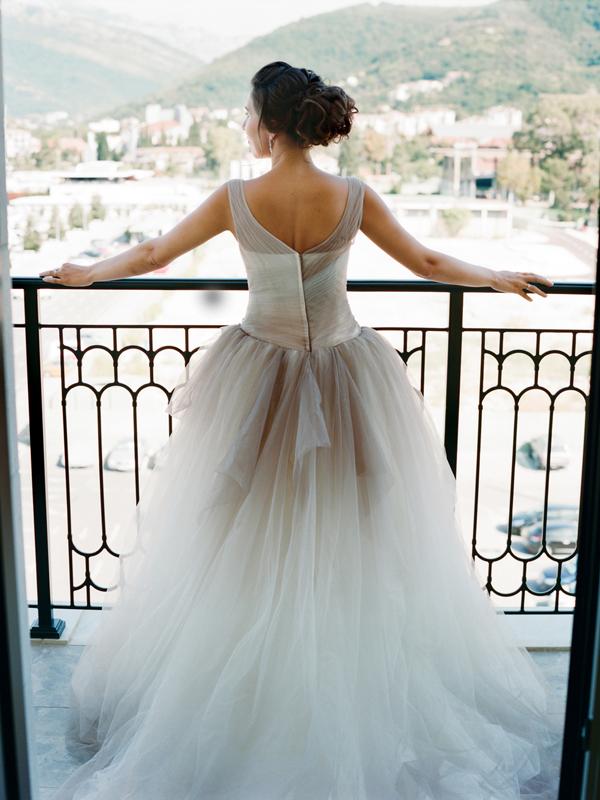 платье Vera Wang Черногория